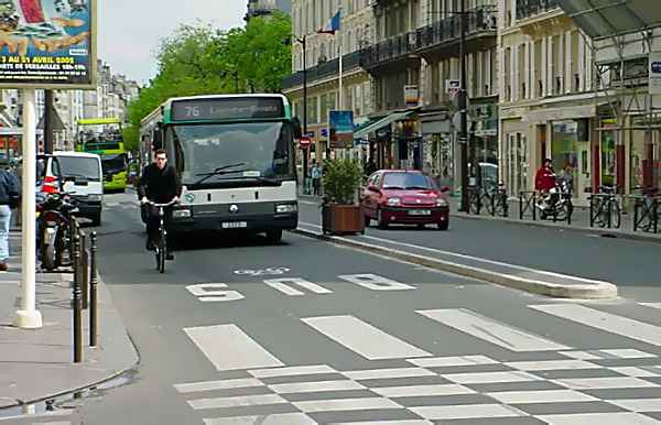 [Image: DSC00103%20bus%20bike%20lane1.jpg]