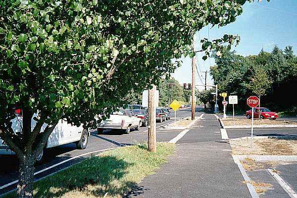 027_24A phinney's lane.jpg (64533 bytes)